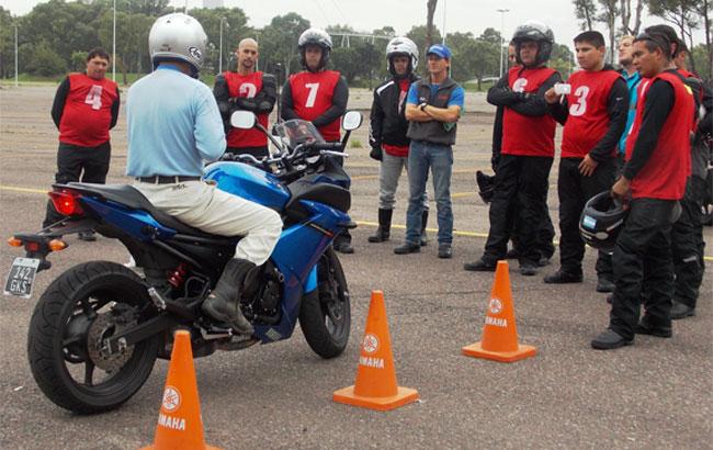Yamaha Motor Argentina capacita a 10 instructores de la ANSV