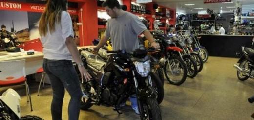 El patentamiento de motos cayo un 37% en Junio