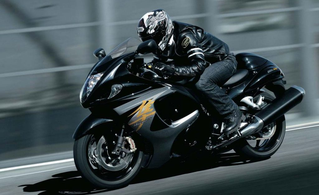 andando en moto