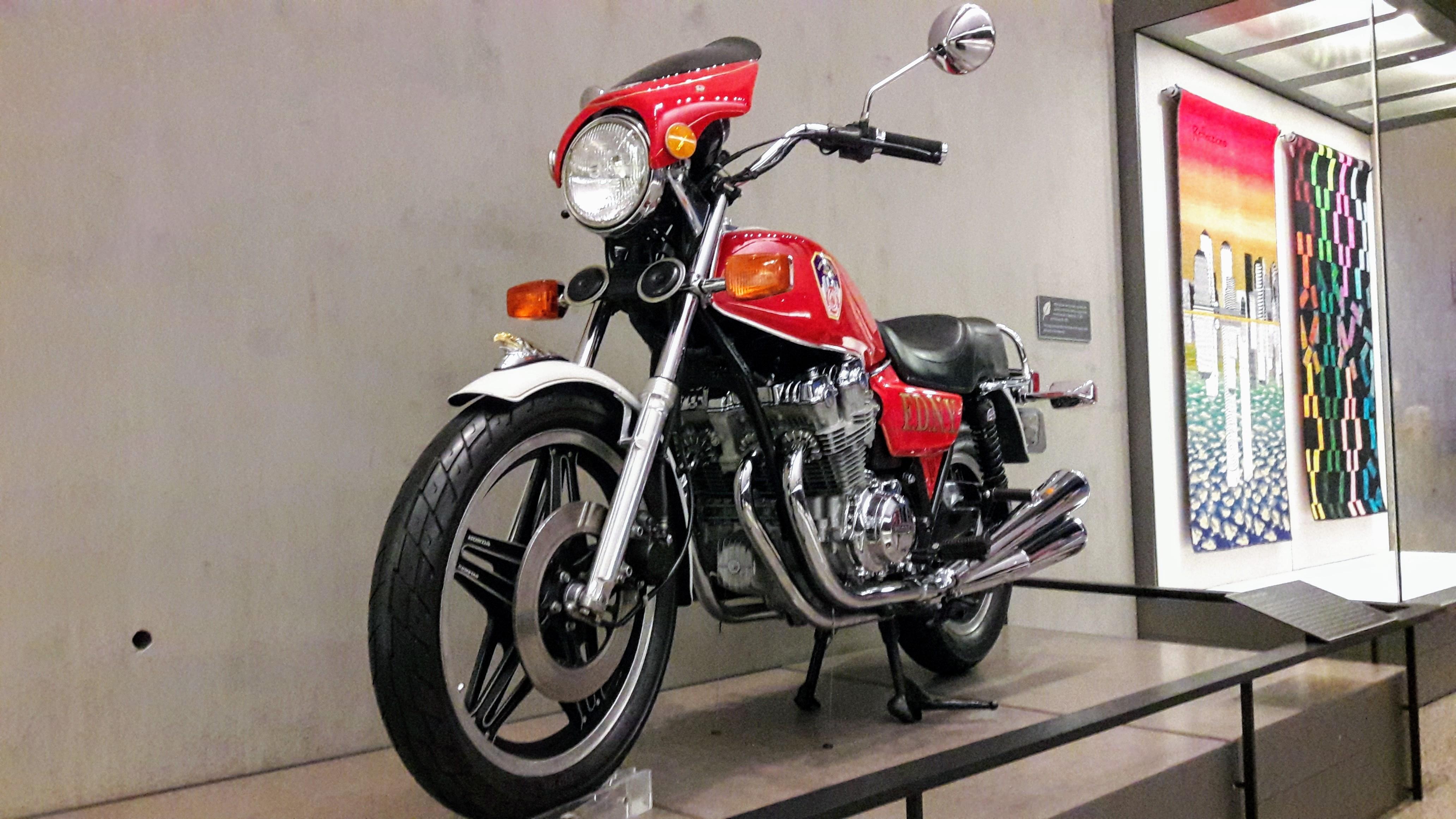Honda CB 750 en memoria del 11-S