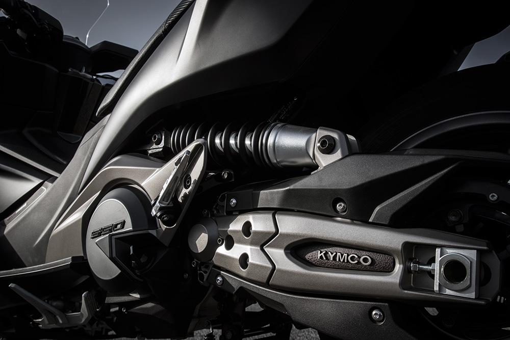 Ya se ofrece en Argentina el scooter Kymco AK550
