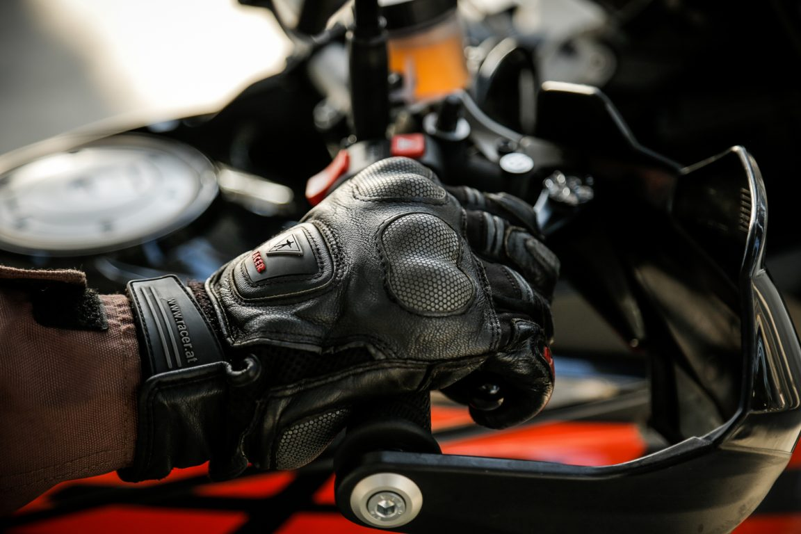 Consejos para frenar correctamente una moto