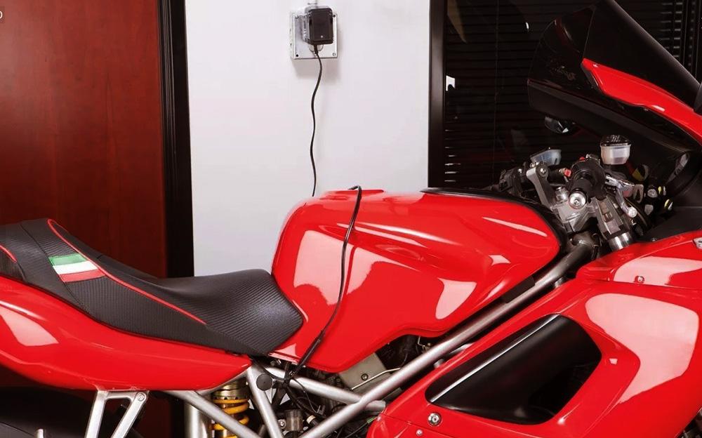 cómo mantener la batería de la moto en invierno