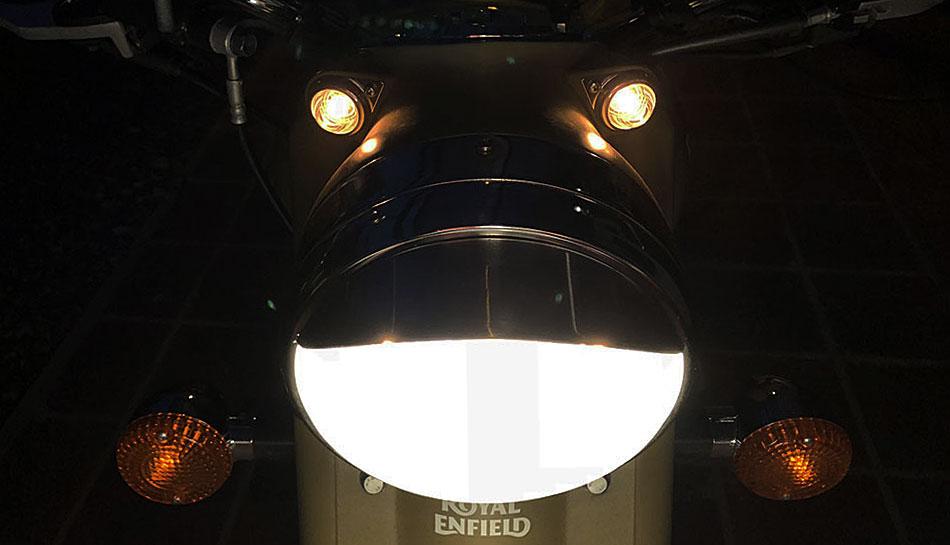 luces Royal Enfield Classic 500 Desert Storm