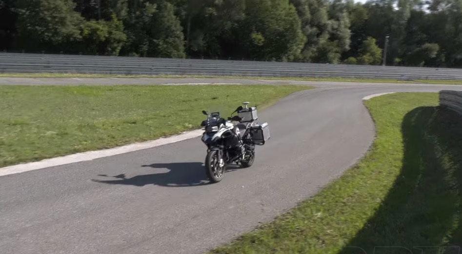 moto bmw autonoma
