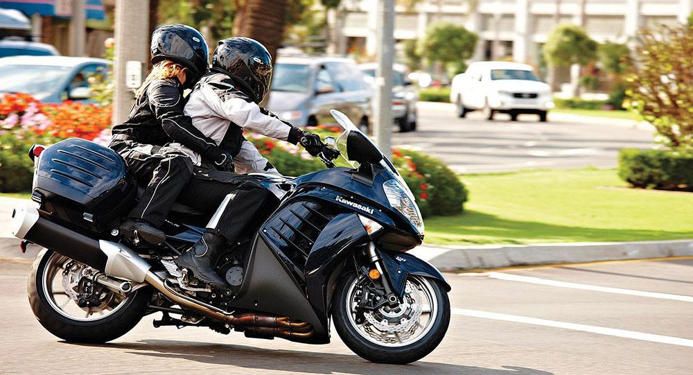 Consejos para ir con acompañante en moto