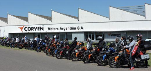Visita de clientes a la planta de Corven Motos