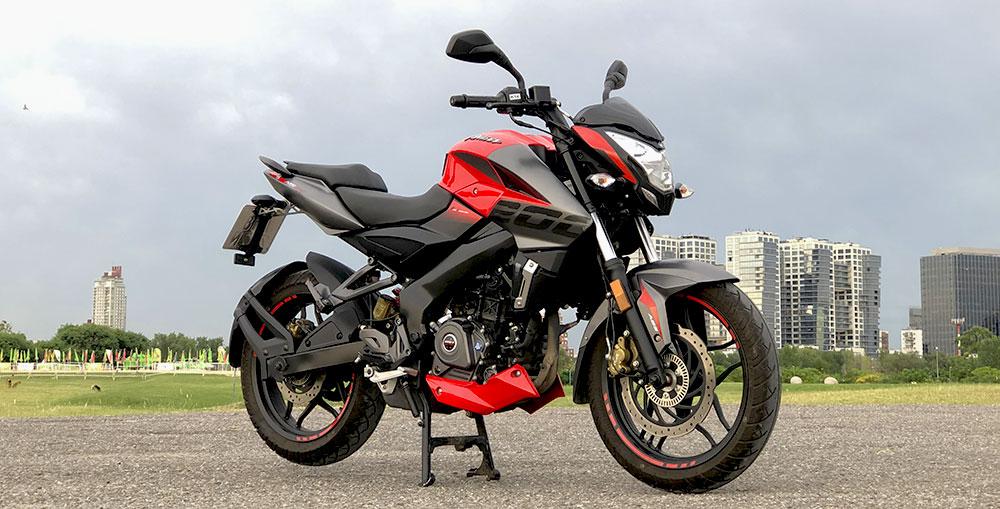 Test Ride Bajaj Rouser NS 200 FI