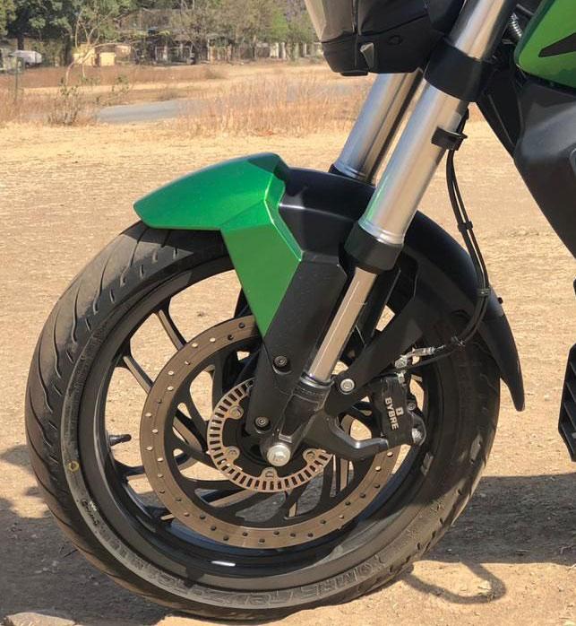 Bajaj Dominar D400 2019: primeras imágenes desde India