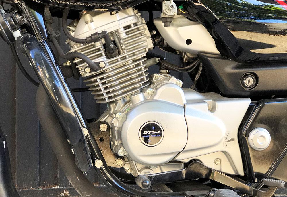 Test Ride Bajaj V15 150 cc