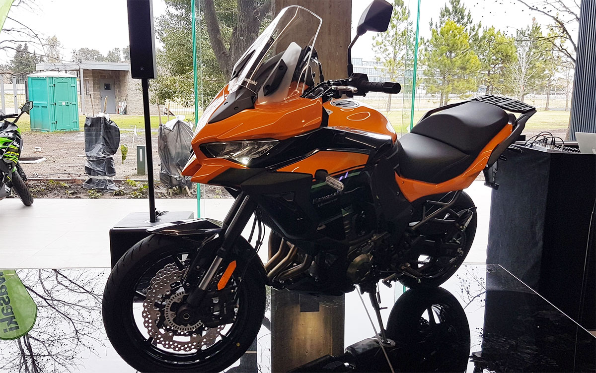 Lanzamiento Kawasaki Z400 ABS, Z900RS Café y Versys 1000 ABS