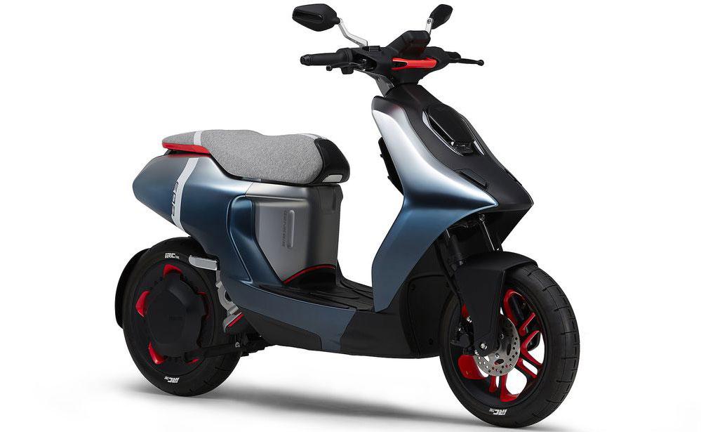 Yamaha E02