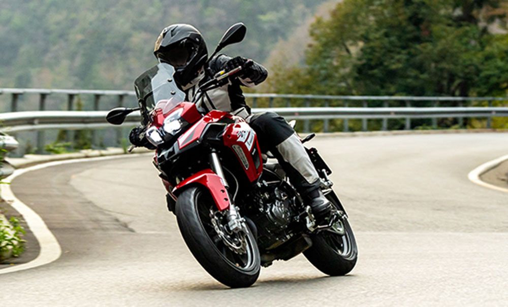 Ya está disponible la Nueva Benelli TRK 251 Full con ABS