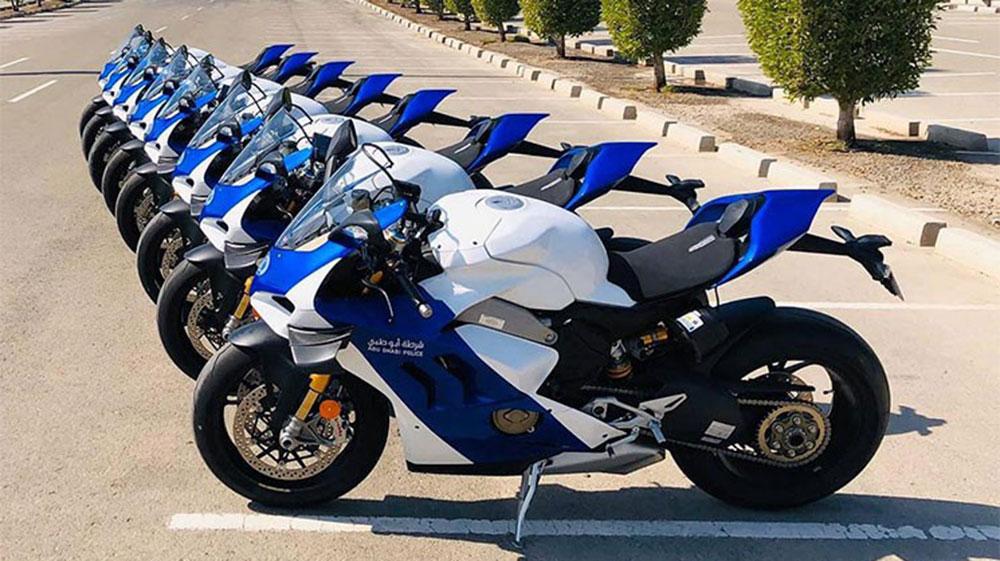 Ocho Ducati Panigale V4 R para la policía de Abu Dhabi