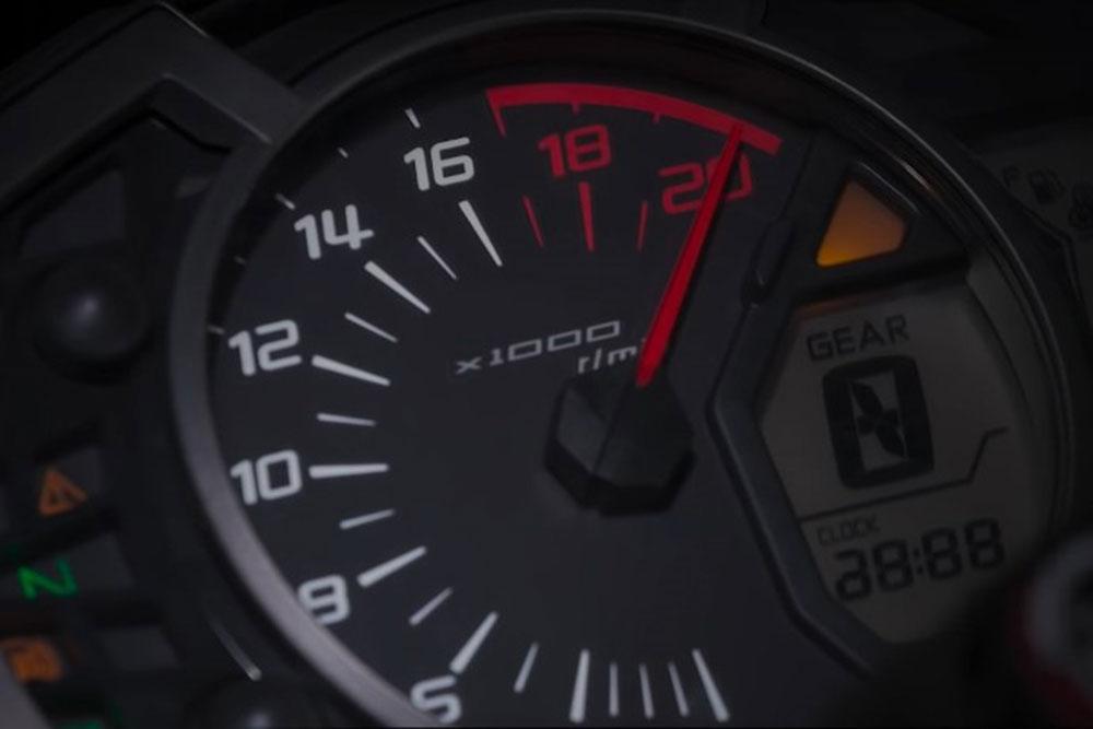 Kawasaki ZX-25R: 250 cc, cuatro cilindros y 17.000 RPM