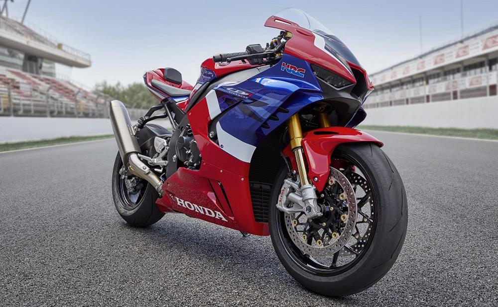 Pirelli DIABLO™ Supercorsa SP elegido por Honda para las nuevas Fireblade CBR1000RR-R y CBR1000RR-R SP