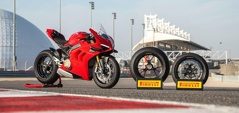 Pirelli y DIABLO™ SUPERCORSA SP junto a Ducati en el lanzamiento de la nueva Panigale V4 2020