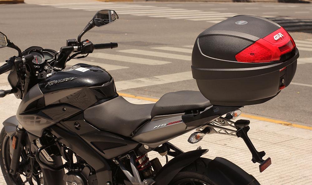 Lanzamiento Rouser NS200 Givi Edition