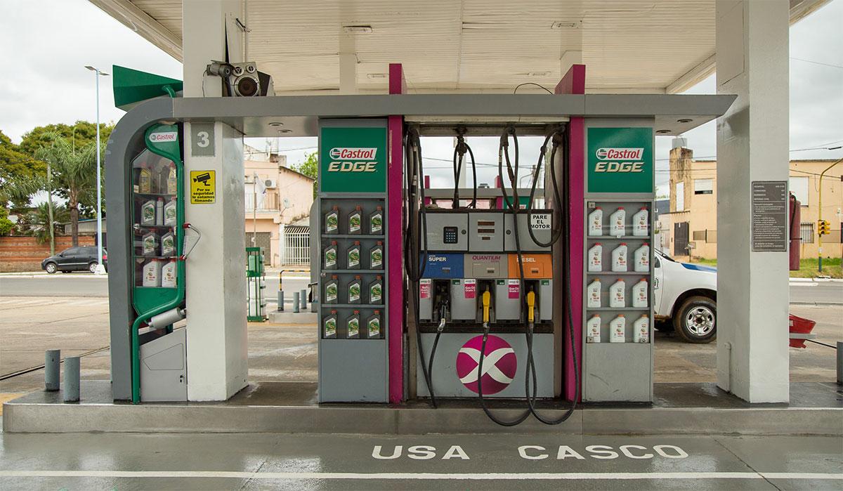 AXION Energy instala su primera isla de carga de combustible para motos