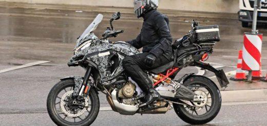 Ya fue vista circulando la Ducati Multistrada con motor V4