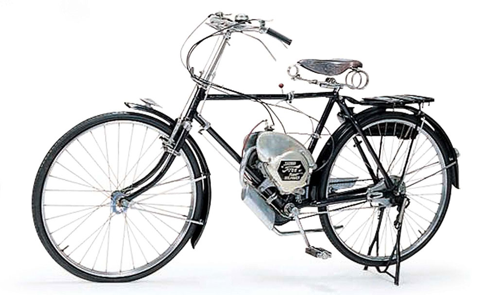 Suzuki cumple 100 años