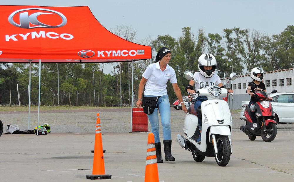 Kymco se suma a las jornadas de conducción segura para motos