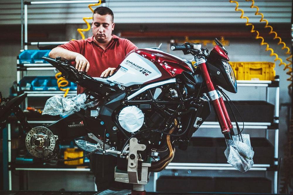 Ducati, MV Agusta y Piaggio retoman la producción