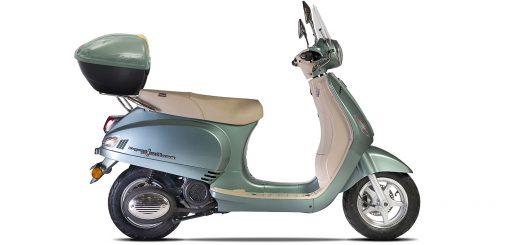 Ahora el scooter Corven Expert Milano viene con baúl trasero de serie
