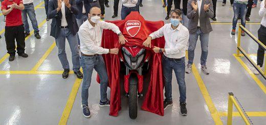 Ya entró en producción la Ducati Multistrada V4 con control de crucero adaptativo